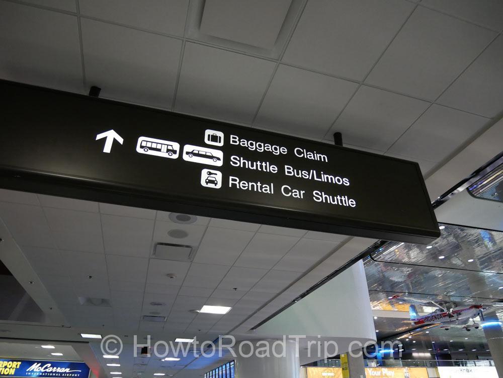 空港内のサイン