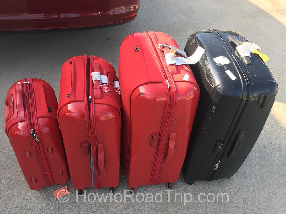 スーツケース4つ