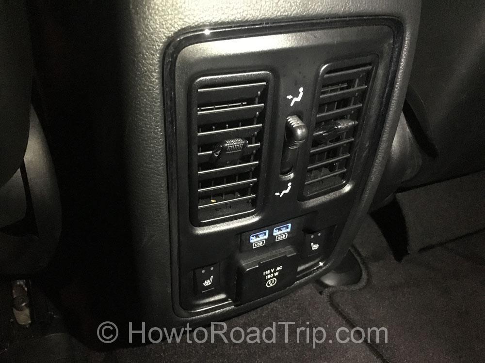後部座席USB