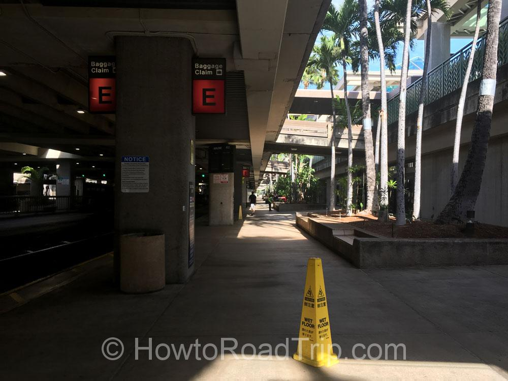 ホノルル空港歩道