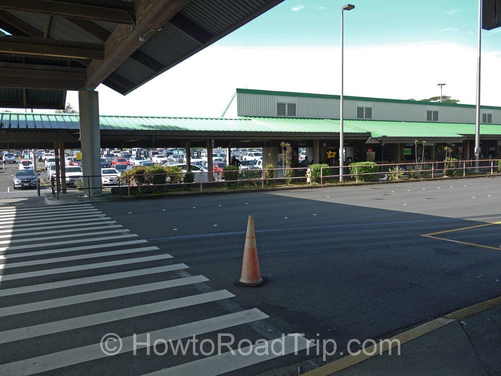 ヒロ空港レンタカー建物