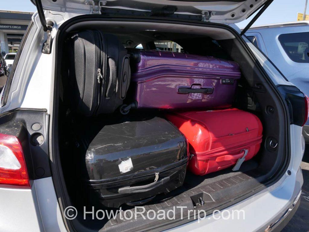 スーツケースを積む